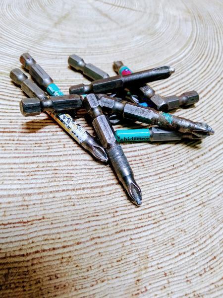 5 полезных инструментов из старых бит для шуруповерта.