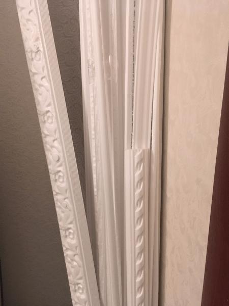 Как я сделала имитацию дорого декора стен из остатков потолочного плинтуса.