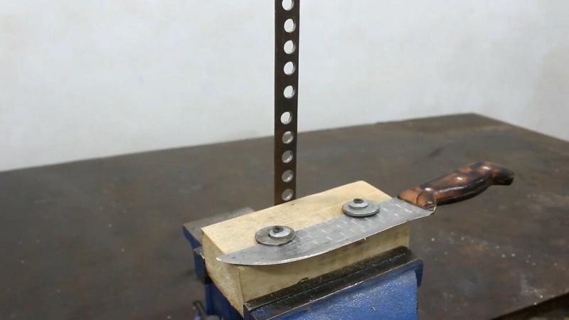 Простая бюджетная точилка для ножей из доступных материалов