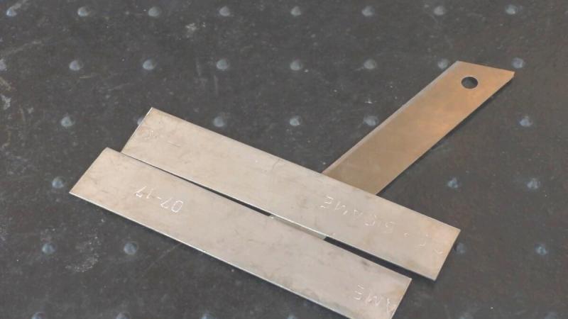 Делаем полезный инструмент для любого электрика и не только, из подручных материалов