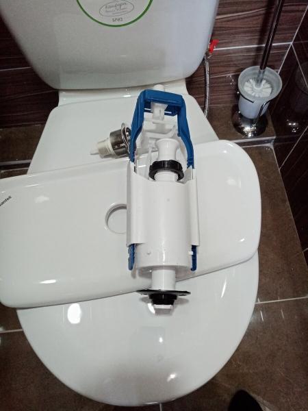 Дорабатываем запорную арматуру унитаза для экономии воды подробное фото