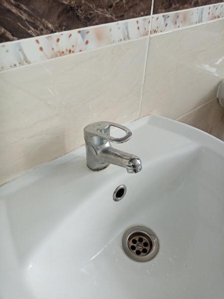 Экономим воду по счетчику правильно подобранным смесителем показываю как