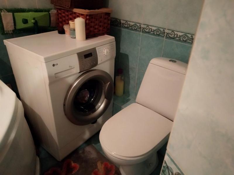 Как миниатюрный совмещенный санузел превращается в комфортную ванную для двоих