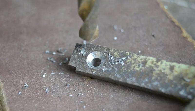 Классная идея из поломанного рожкового ключа на 19