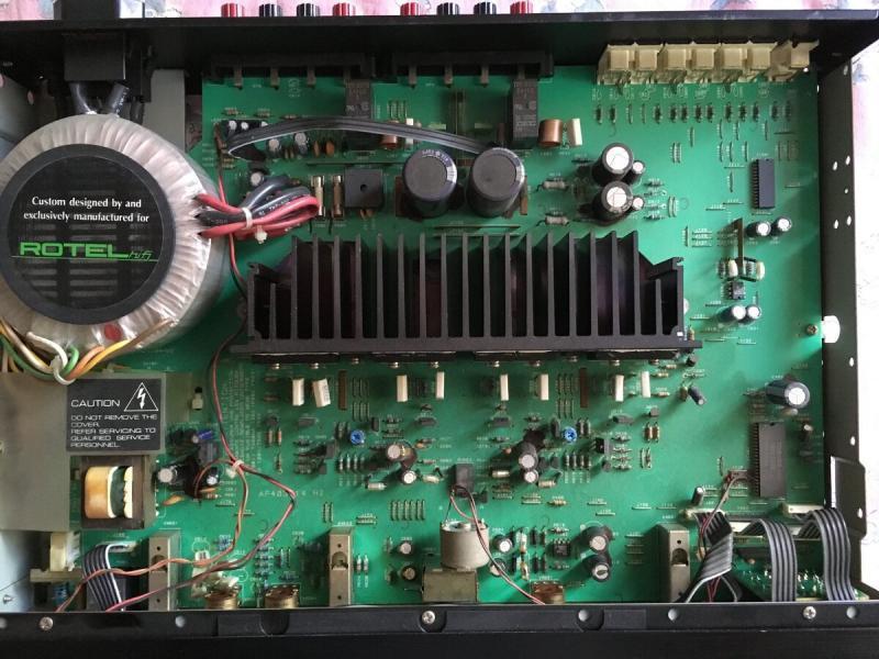 Полный усилитель конца 90-х: ROTEL RA-945
