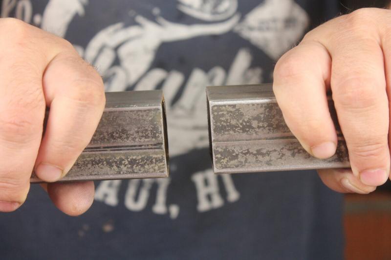 Как соединить (нарастить) между собой одинаковую по диаметру профильную трубу без сварки