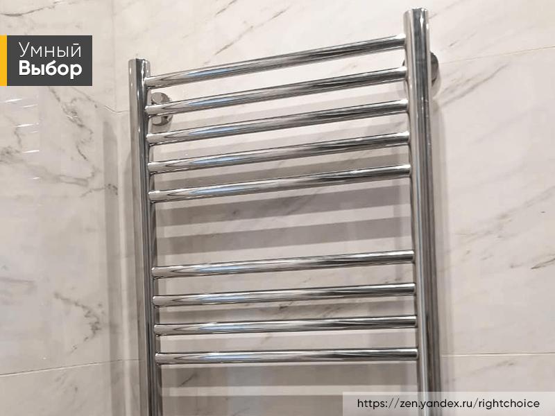 Как выбрать полотенцесушитель для ванной комнаты: характеристики водяных и электрических моделей