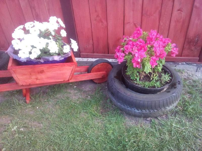 Мало кто догадывается, из чего сделаны мои большие крепкие кашпо для уличных цветов