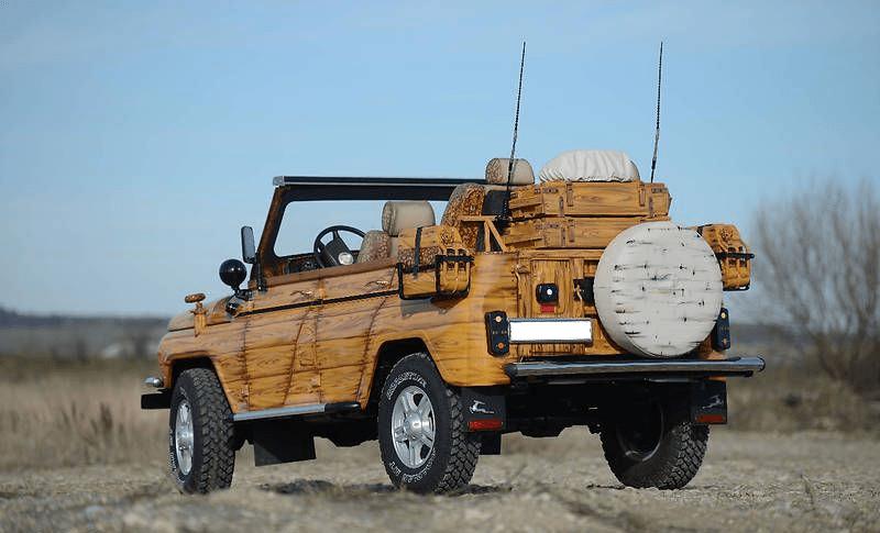 «Деревянный» УАЗ из нержавейки, с ПНВ и фарами от броневика – интересная самоделка
