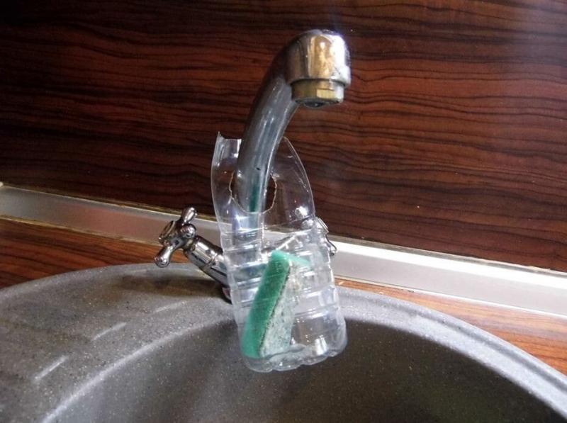 Пластиковые бутылки никогда не выкидываю. Рассказываю про 5 нестандартных и минутных лайфхаках в быту (фото).