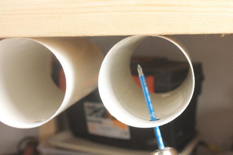 Увидел у соседа в мастерской простую самоделку из обрезка трубы, сделал себе сразу три штуки