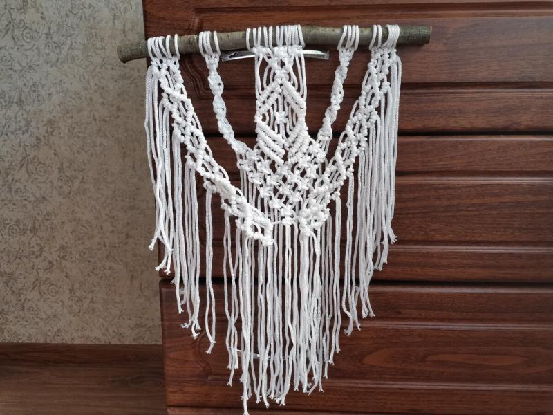 Из бельевой верёвки и палки сделала модный декор для дома