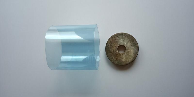 Необычное ноу-хау для уборной. Из пластиковой 2 литровой бутылки смастерила полезную вещь