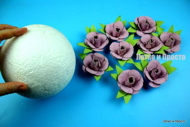 Никогда не выбрасываю яичные лотки из них получаются красивые цветы