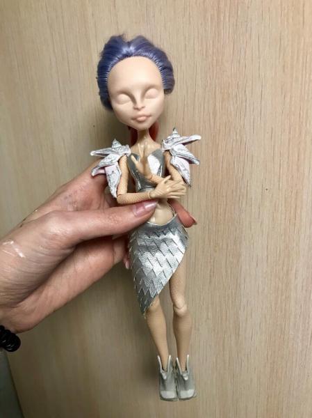 Работаю над созданием образа девушки-дракона или как я рисовала кукольное личико