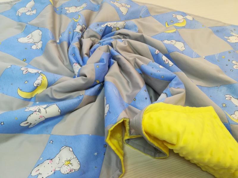 Сшила лоскутное одеялко с именной вышивкой, по эскизу клиента, с диагональной раскладкой
