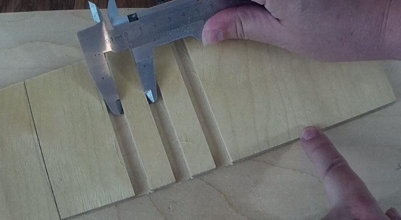 Делаем пазы через одинаковые расстояния. Приспособление для ручного фрезера (вариант №2)