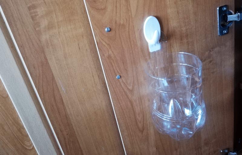 Надоело, что крышки от банок валяются где попало. Показываю придумку для их хранения