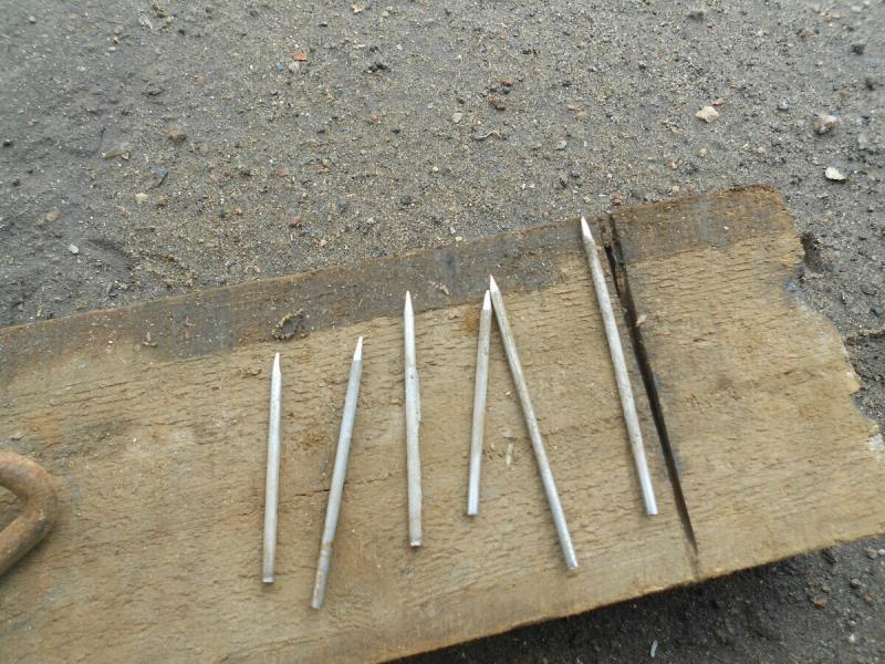 Огарки электродов и сточенные диски от болгарки. Нестандартное применение в слесарно-сварочной работе.