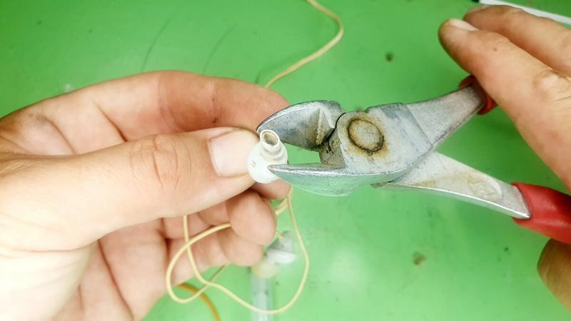 Перекупщик научил как из шприца сделать примитивный толщиномер