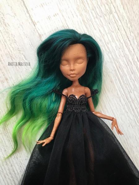 """Платье, расшитое бисером, корона из проволоки или создаю кукольный образ в стиле """"Дорого-богато"""""""