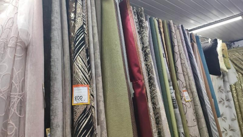 Готовые шторы не покупаю, шью сама. Поделюсь своим расчётом ткани