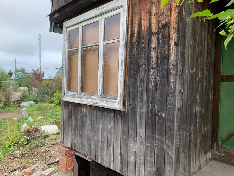 Я просто хотел подвинуть крыльцо у дачи домкратом, а по итогу - пришлось полностью переделать за советскими шабашниками.