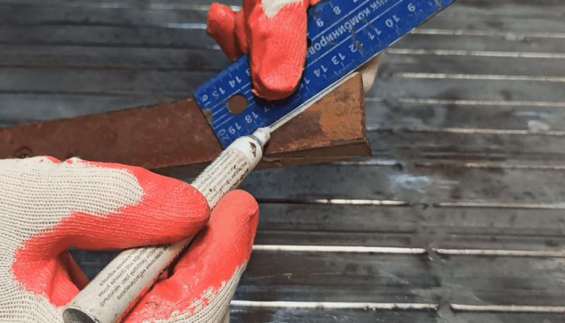 Обрезки ржавого металла превратил в шикарный инструмент