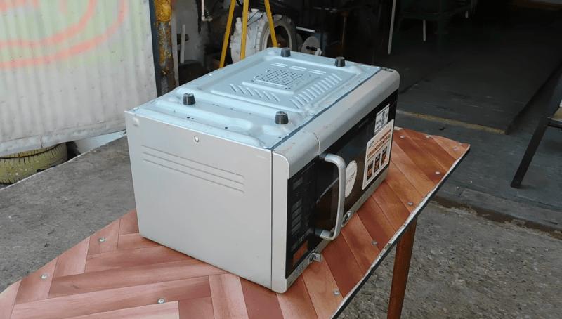 Разобрал негодную микроволновую печь и сделал полезную самоделку для дома и дачи