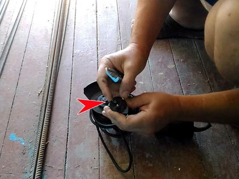 «Сделал из вилки прищепку для кабеля» - как раньше не додумался