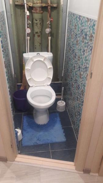 Сломал туалет и соединил его с ванной комнатой! Показываю, что получилось. Фото до/после.