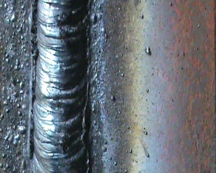 Вертикальный шов электродом. Сварка профильной трубы без прожогов и наплывов.