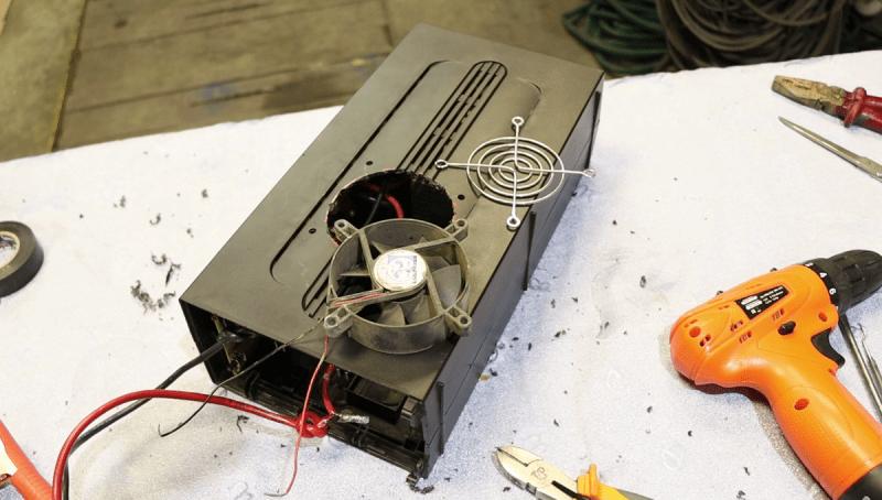 Модернизируем старый компьютерный бесперебойник и получаем универсальный инструмент