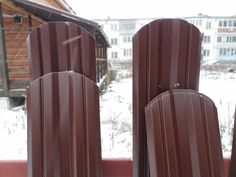 Наши ошибки при монтаже забора из металлического штакетника и несколько советов тем, кто решил подобный забор строить.