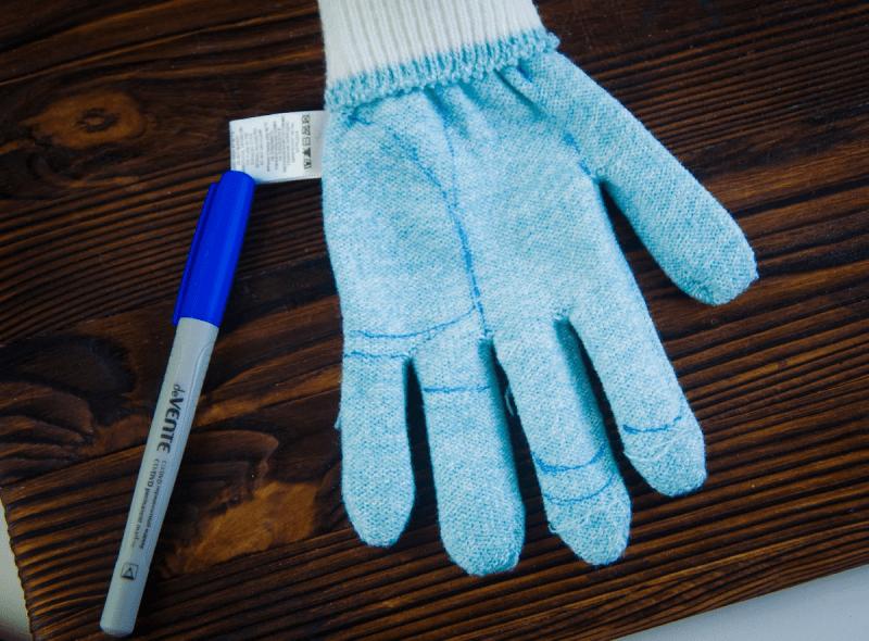 Непарные носочки и перчатки - в дело! Как вместе с детьми научиться создавать милейших зверей и кукл-перевертышей