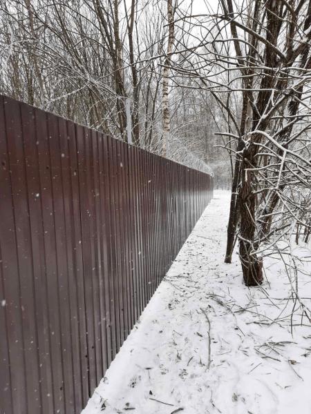 Проблемы монтажа заборов зимой и их решение