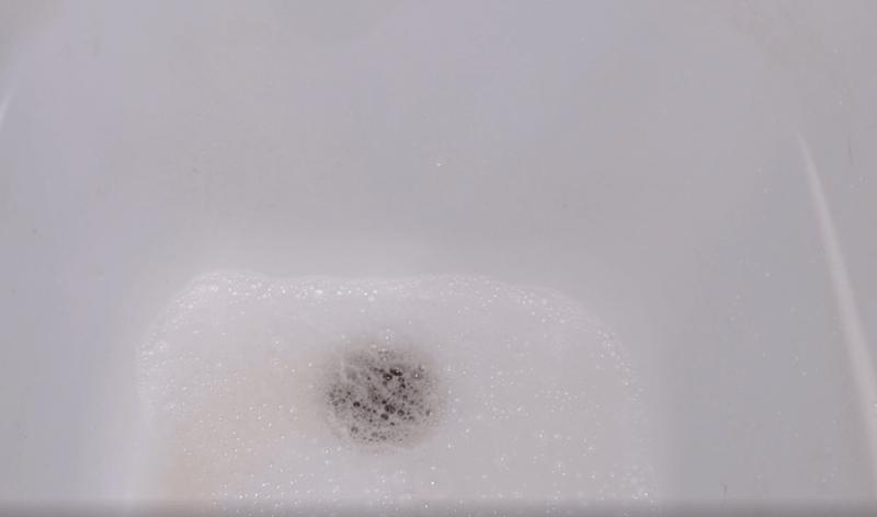Как можно легко и быстро устранить засор в ванне, раковине, трубах используя душевой шланг, делюсь рабочим советом.