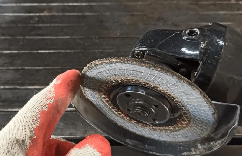 Не выбрасываю старые лепестковые диски, нашел отличную идею их применения