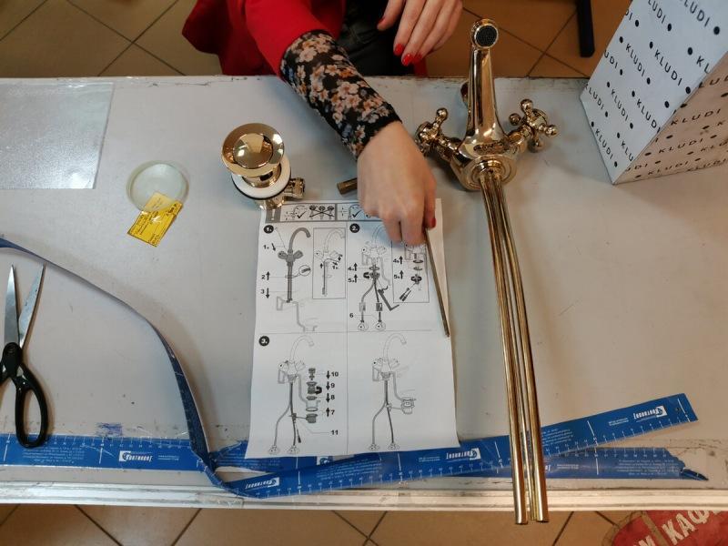 По распродаже купила смеситель, который стоит 80 000, за 3 т. р. На нем позолота 23 карата, удивились даже продавцы