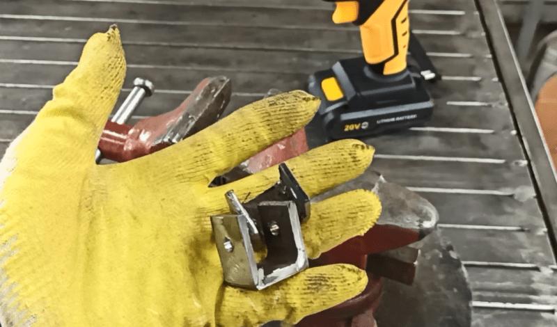 Приспособление для сварщиков: быстрое в изготолении, долговечное в работе