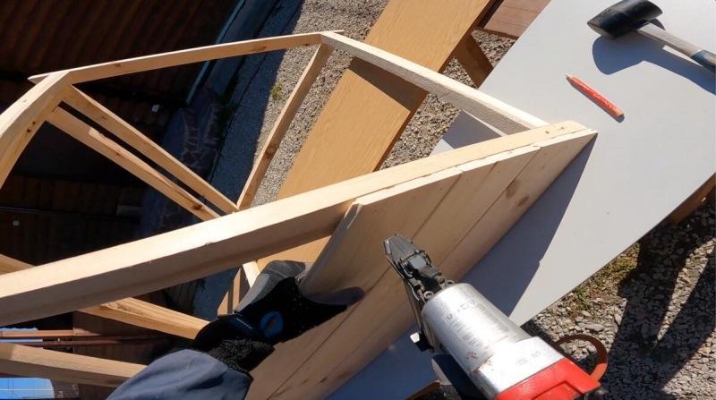 Простая крыша для колодца своими руками. Пошаговая инструкция