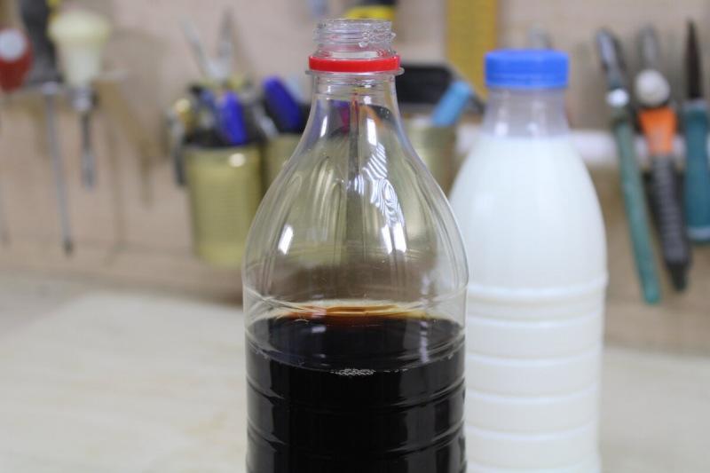 Смешал колу с молоком и показал результат знакомым, теперь они поняли, что эту химию пить нельзя