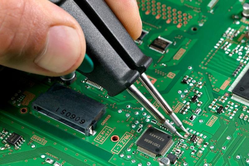 Как быстро распаять SMD компоненты, без паяльной станции