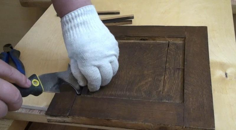 Реставрация старинной тумбочки. Разборка. Часть 1